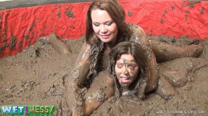 Tracy & Kordi Mud Wrestle (2)